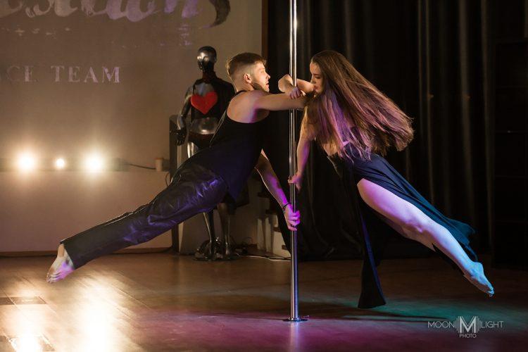 «Вставленное» плечо в pole dance. Пособие для начинающих.